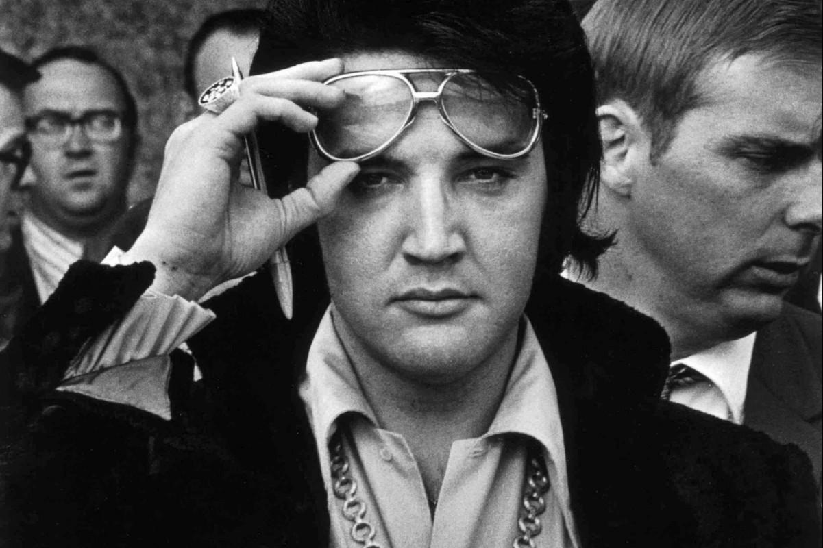 Elvis dans les villes
